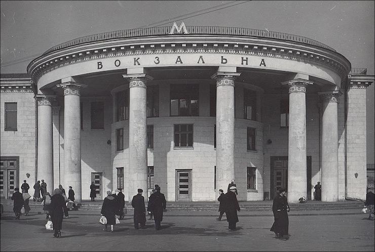 будівництва метро на Троєщину