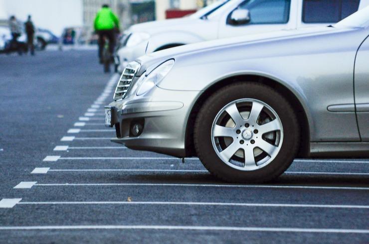 У Києві запускають «розумне» паркування. Як це працюватиме?